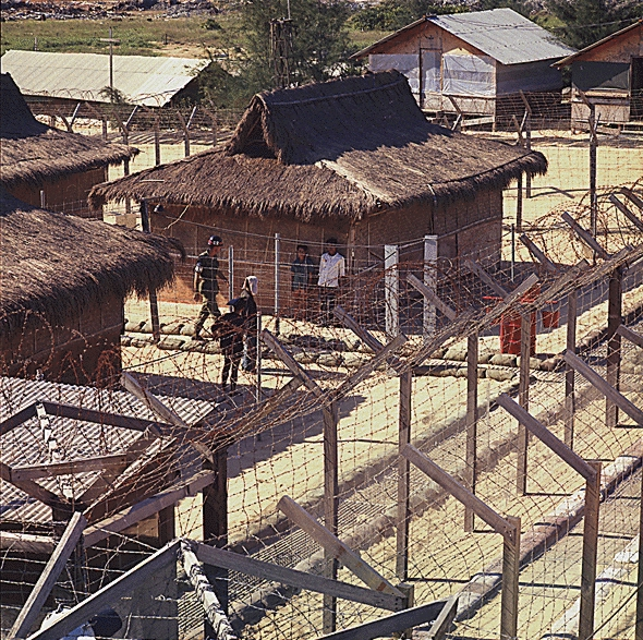 US_POW_camp_at_Chu_Lai_1968