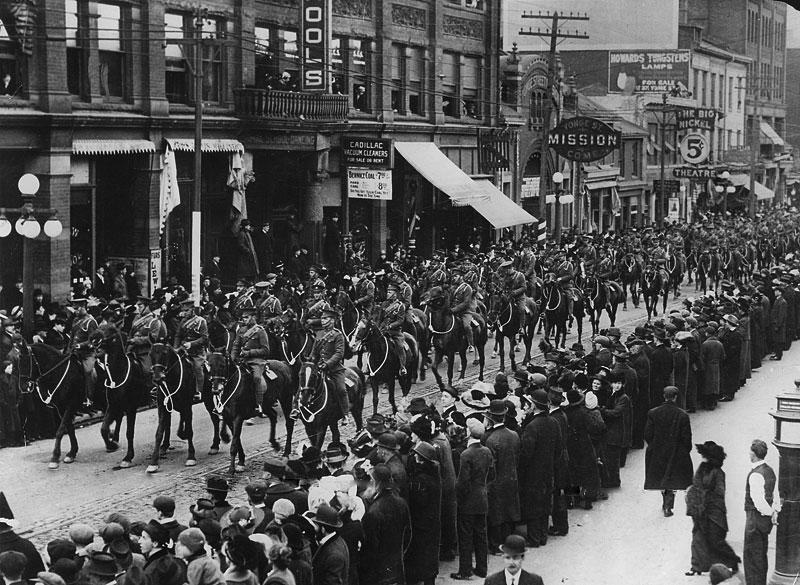 Troops1915YongeStreet